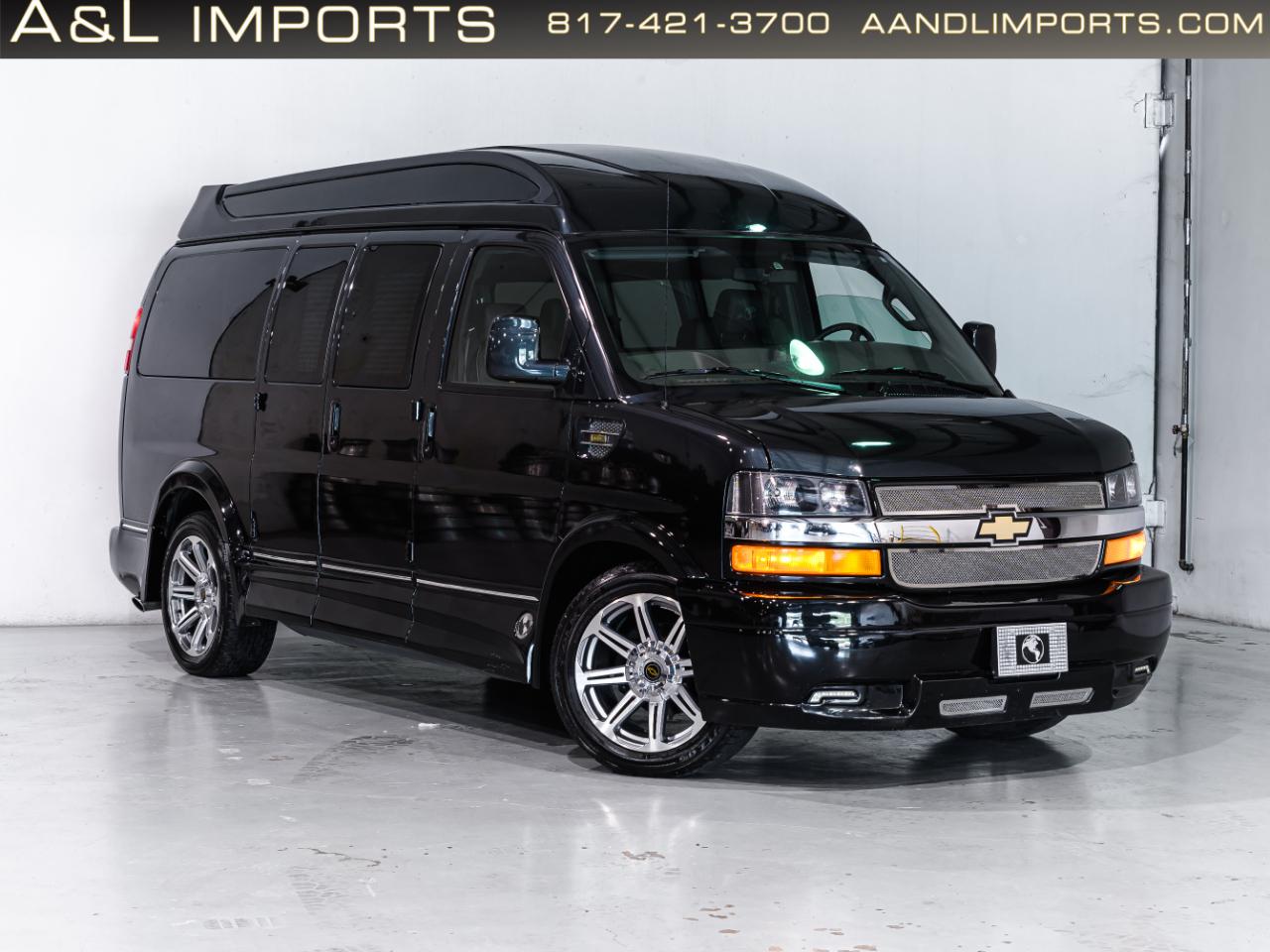 """Chevrolet Express Cargo Van RWD 2500 135"""" 2017"""