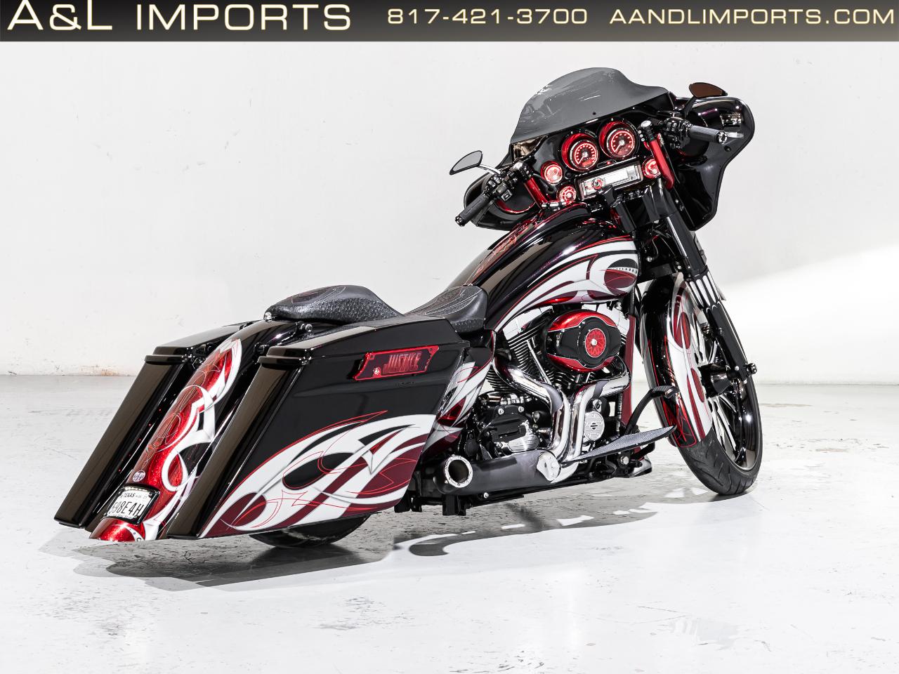 Harley-Davidson FLHX  2011