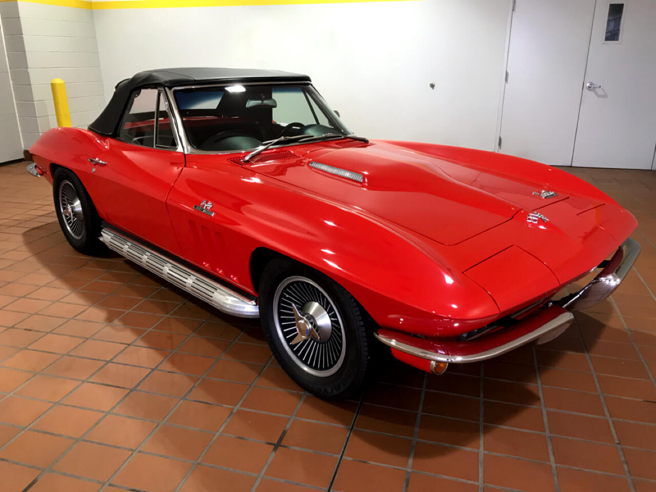 Chevrolet Corvette Stingray Convertible  1966