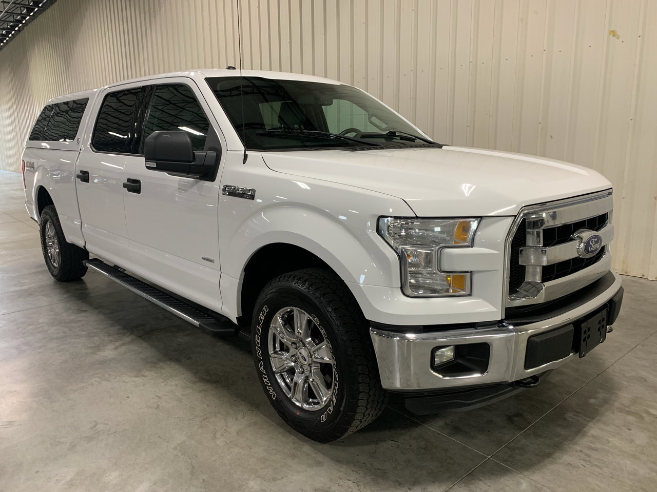 """2015 Ford F-150 4WD SuperCrew 157"""" XLT w/HD Payload Pkg"""
