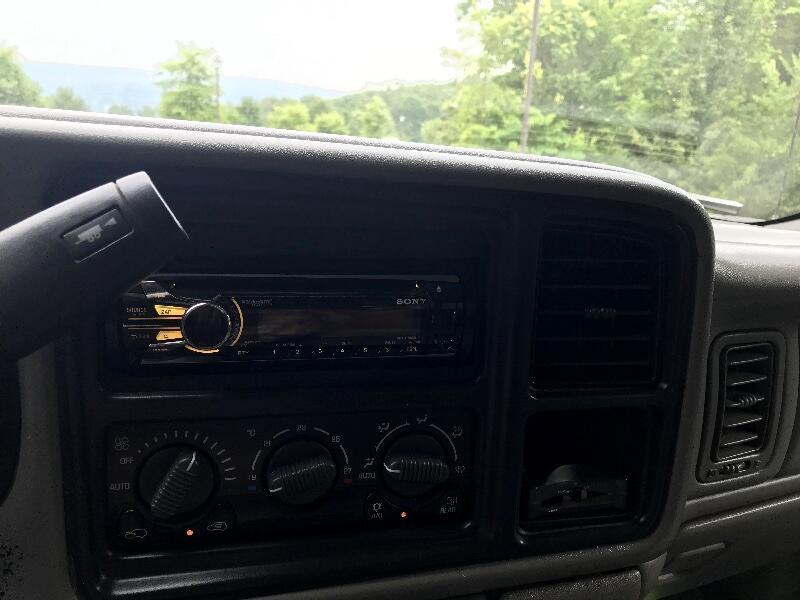 Chevrolet Silverado 2500HD Crew Cab Long Bed 4WD 2002