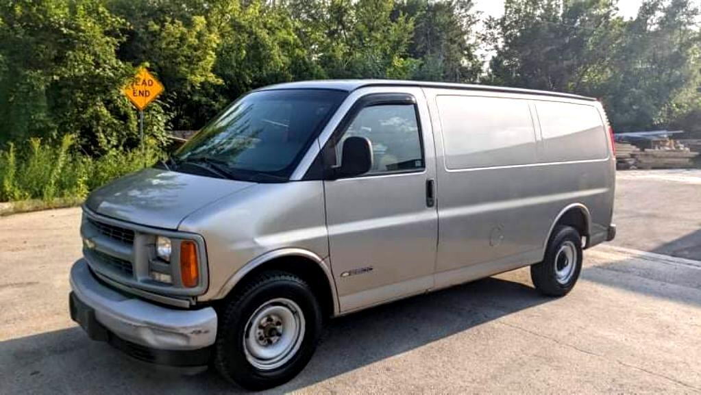 Chevrolet Express 2500 Cargo 2001