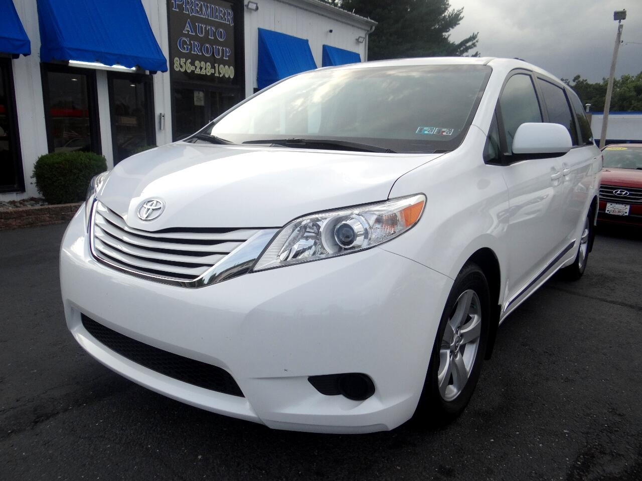 Toyota Sienna 5dr 8-Pass Van LE FWD (Natl) 2016
