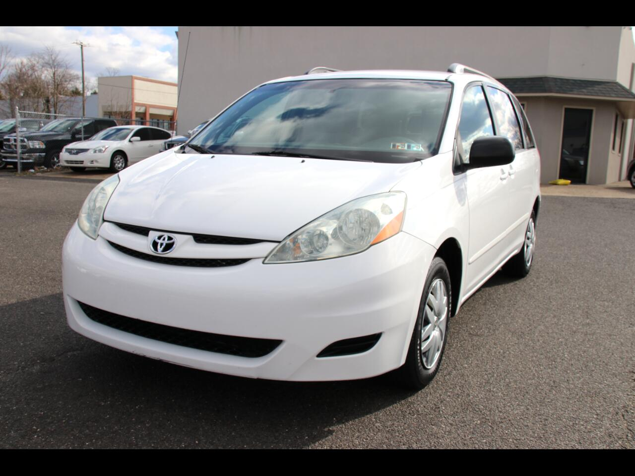 Toyota Sienna 5dr LE FWD 8-Passenger (Natl) 2006