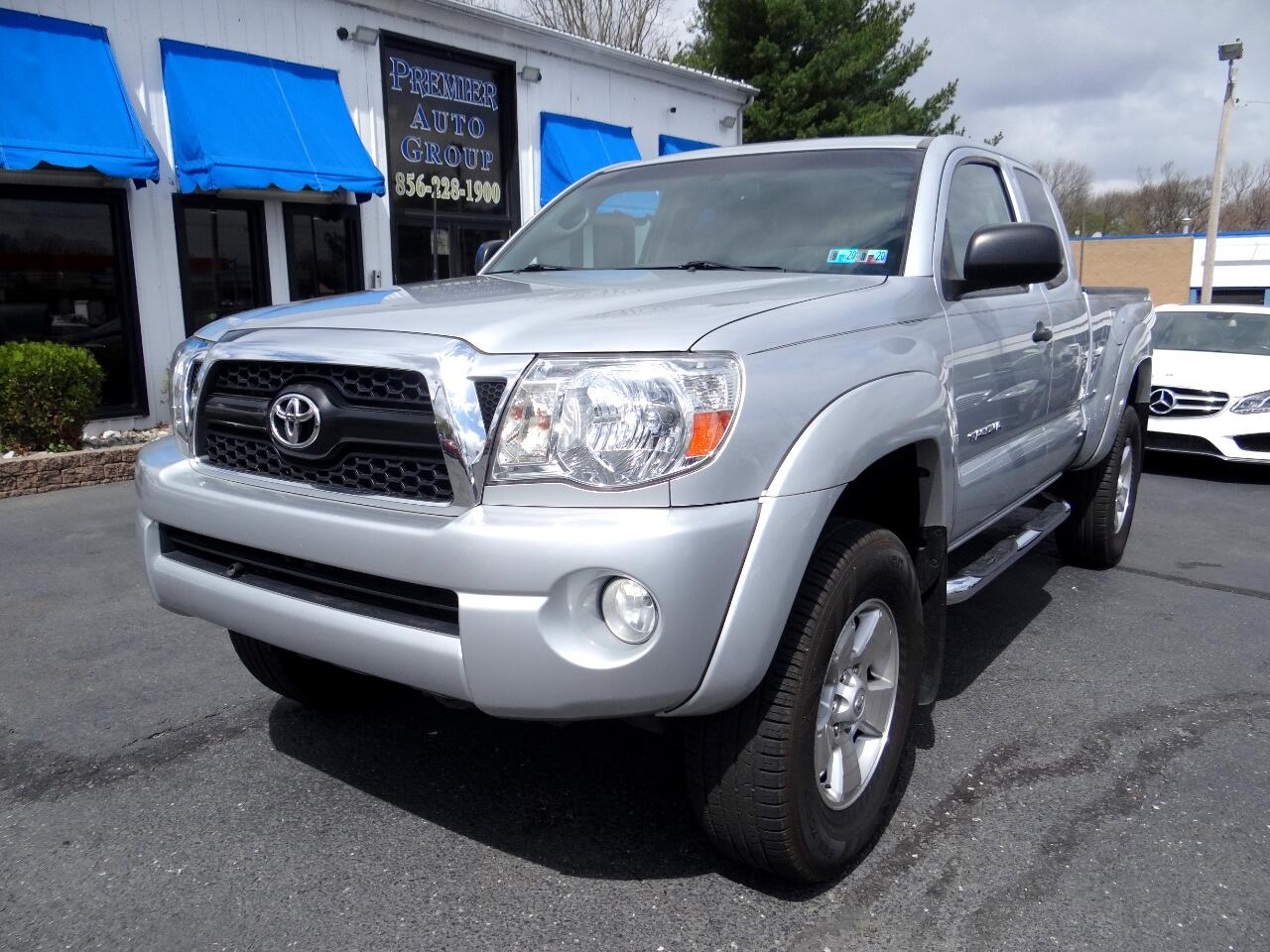 Toyota Tacoma 2WD Access V6 AT PreRunner (Natl) 2011