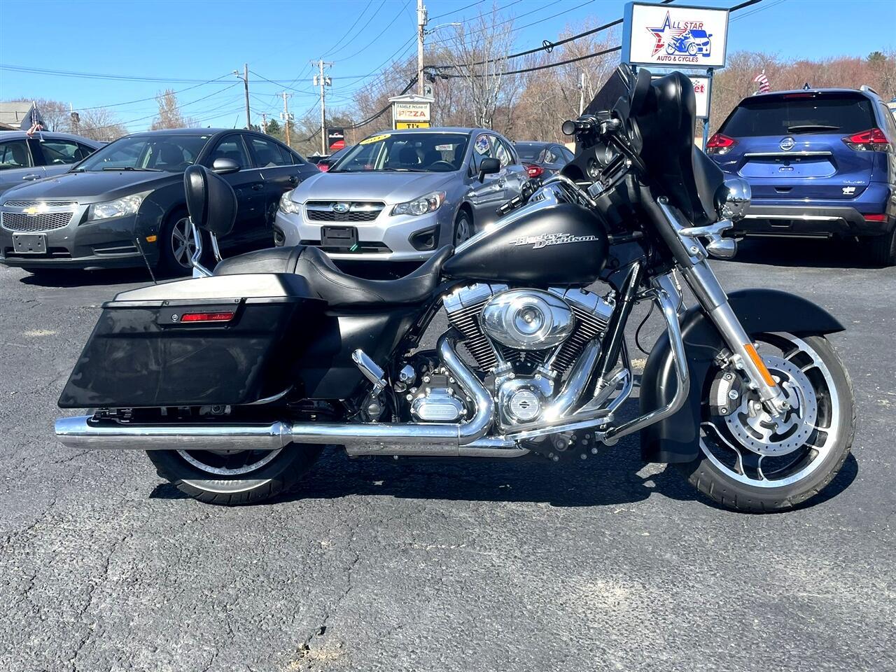 Harley-Davidson FLHXI  2012