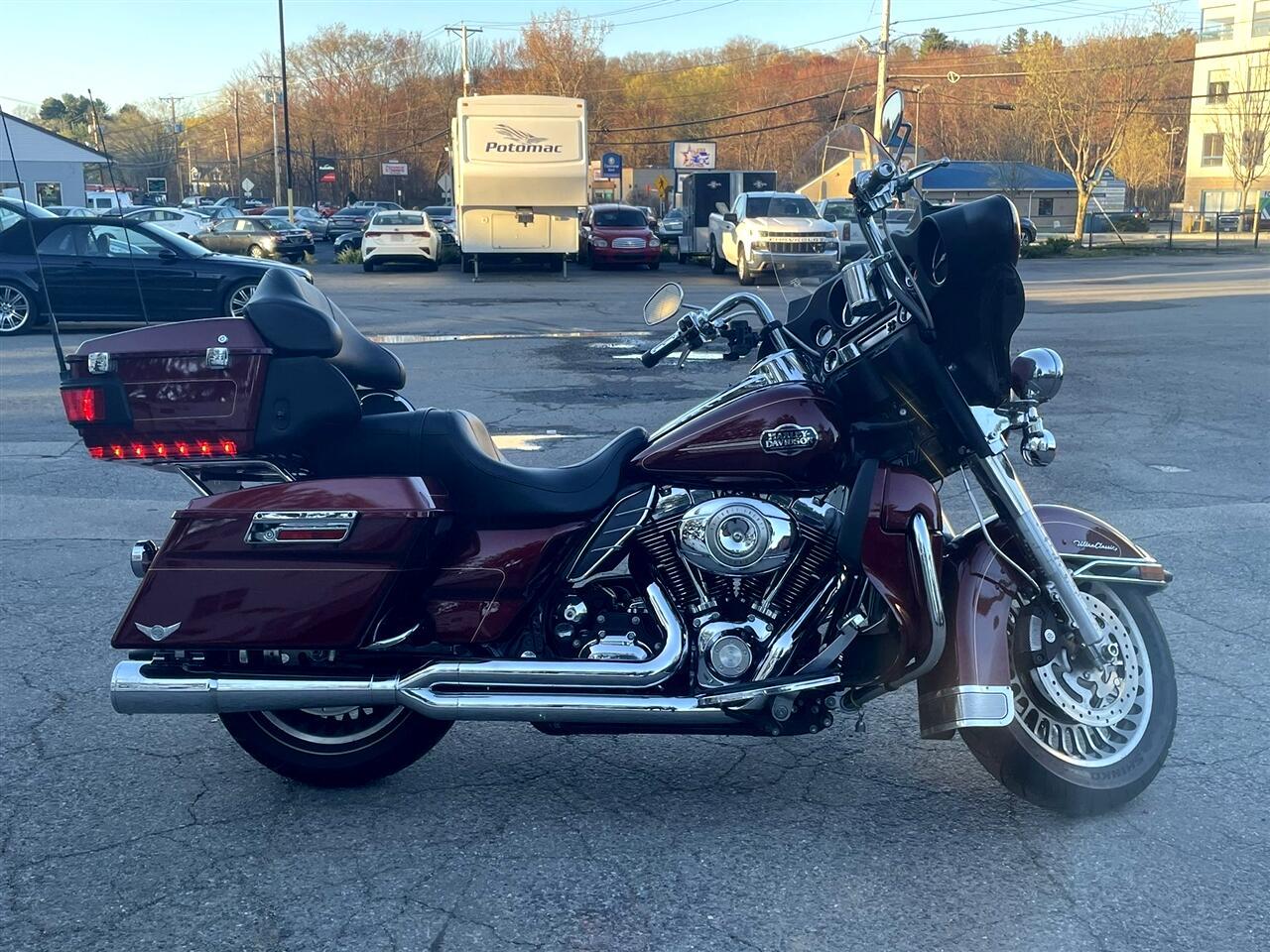 Harley-Davidson FLHTCU  2010