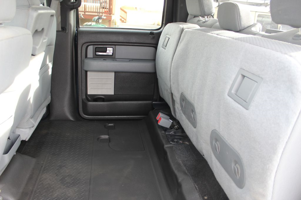 "Ford F-150 4WD SuperCrew 145"" XL 2014"