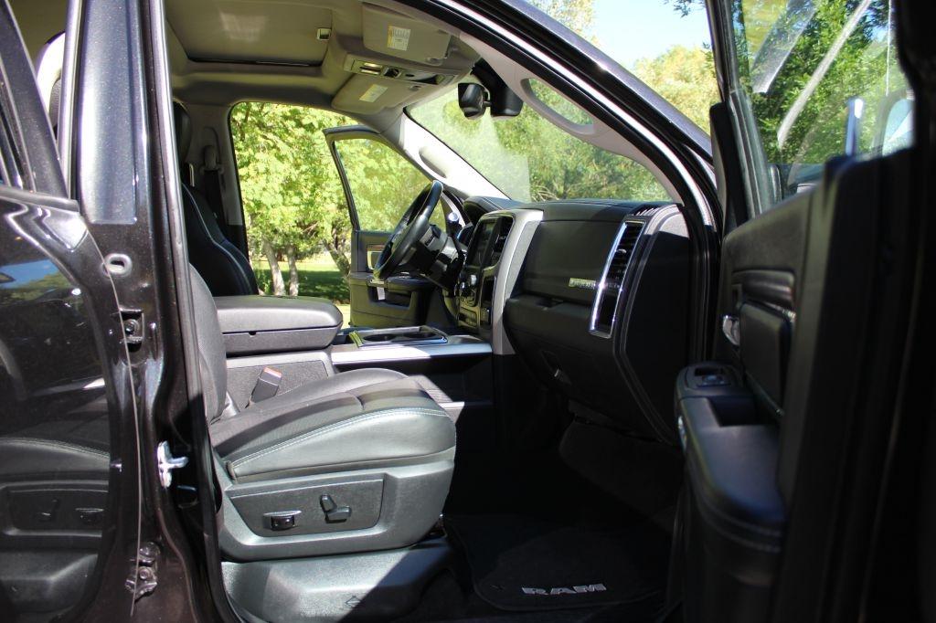 2015 RAM 2500 Laramie Mega Cab 4WD