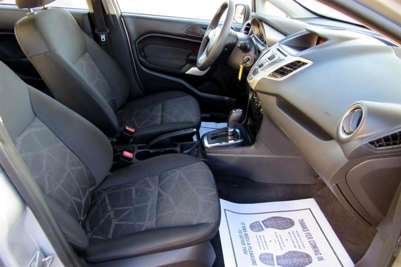 2011 Ford Fiesta SE Sedan