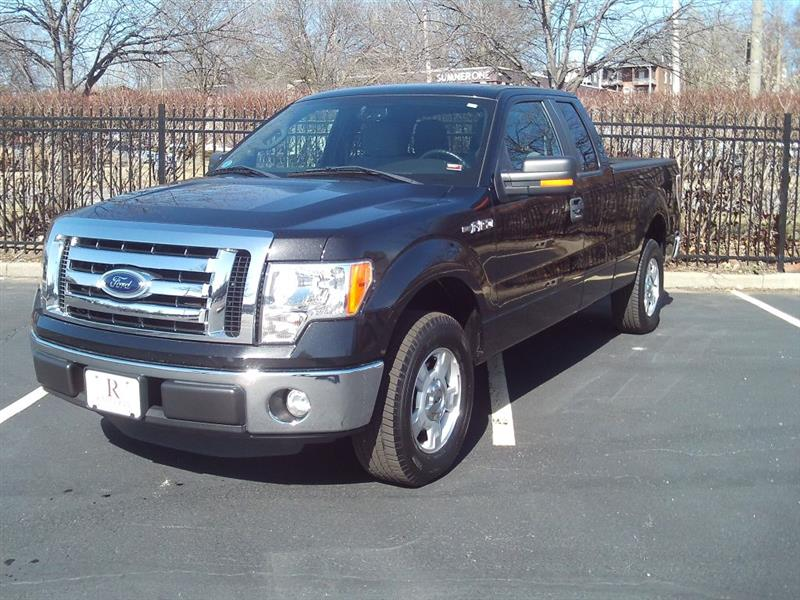 2012 Ford F150 XL SuperCab 8-ft. Bed 2WD