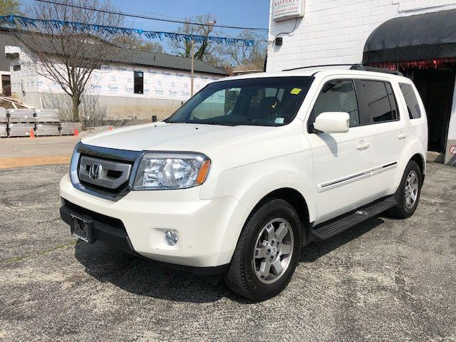 2011 Honda Pilot Touring 4WD 5-Spd AT with DVD