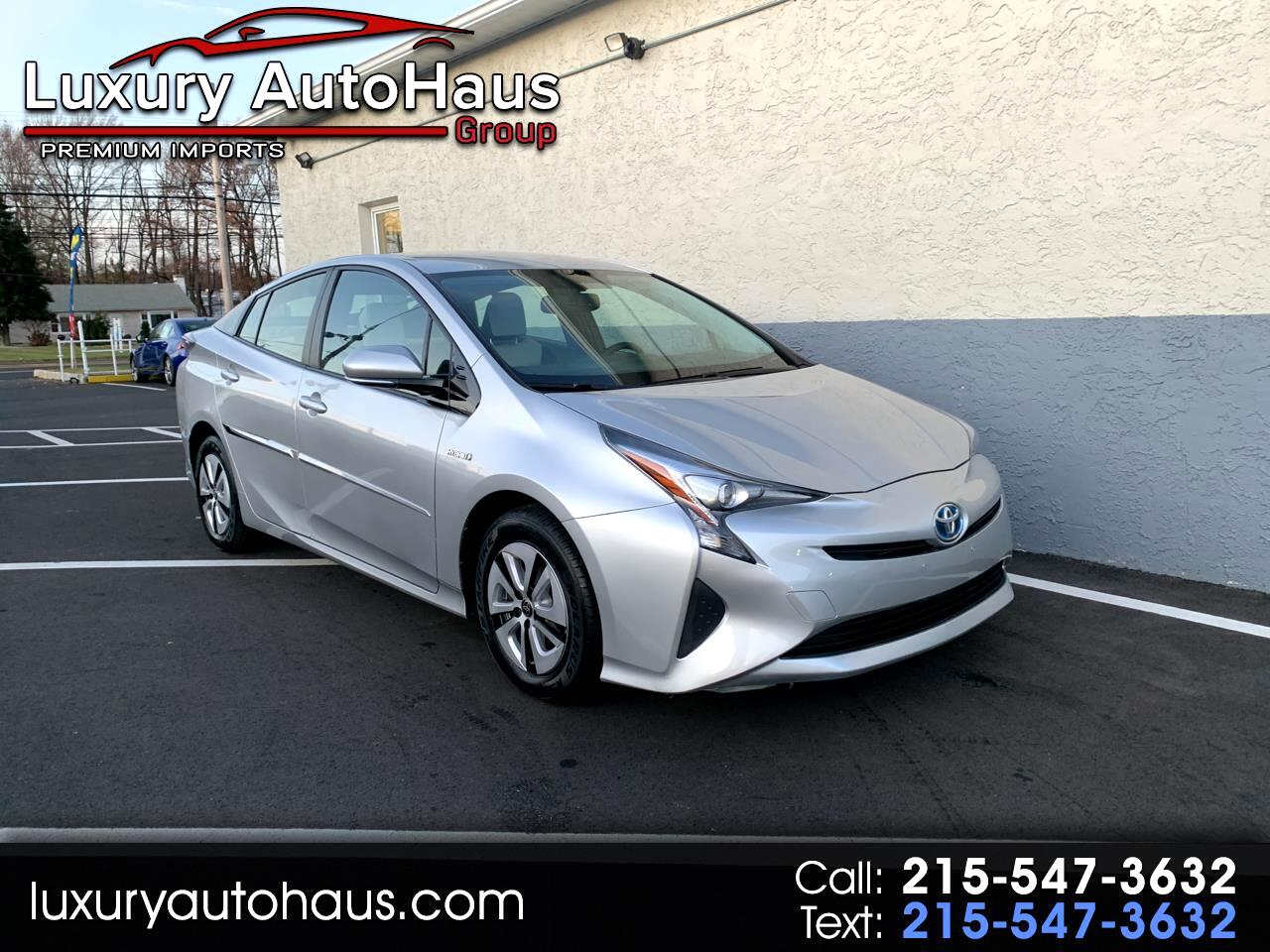 2016 Toyota Prius 5dr HB Three Touring (Natl)