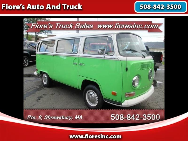 1971 Volkswagen T-2 Transporter Window Bus