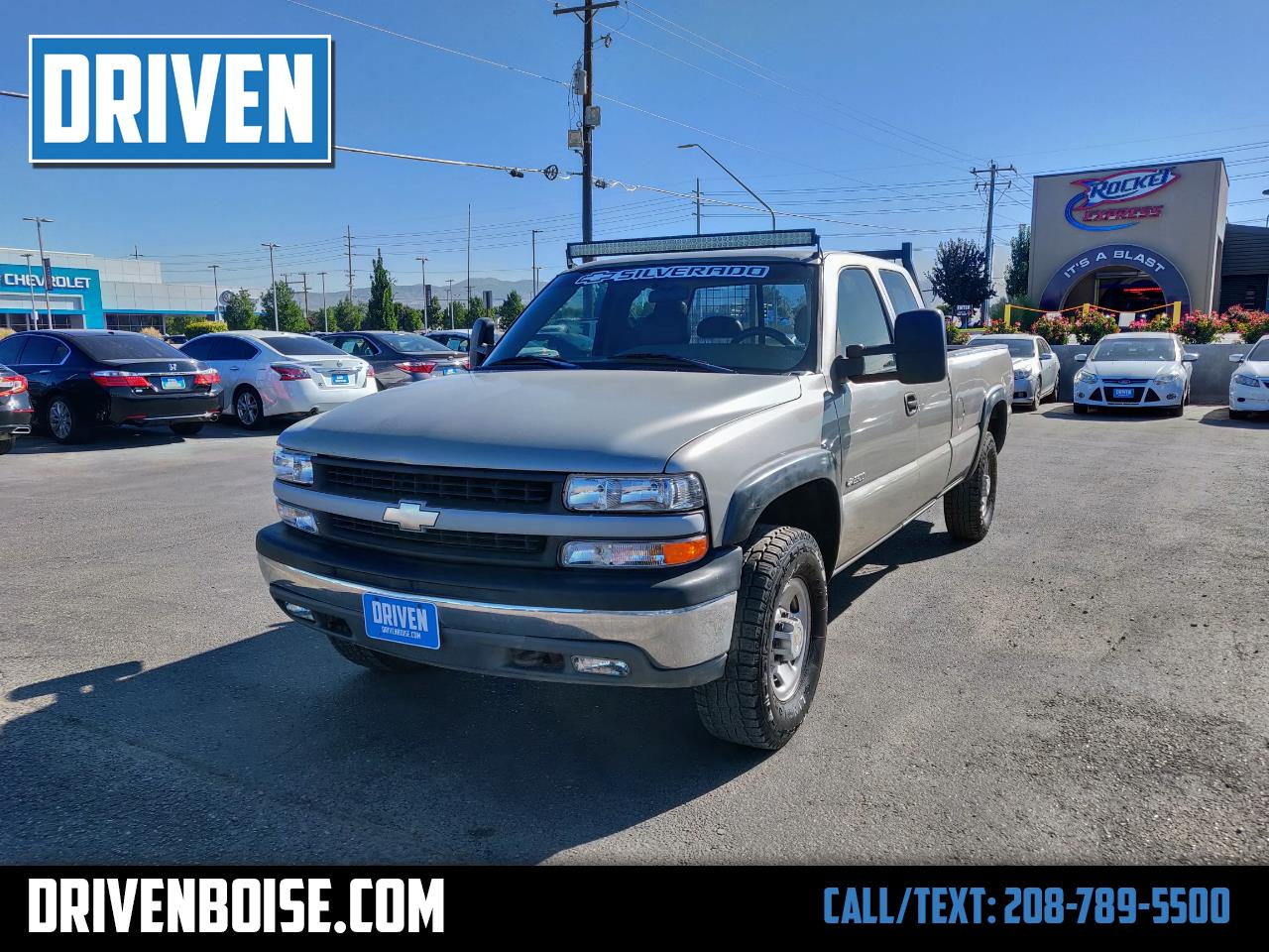 2000 Chevrolet Silverado 2500 Ext. Cab 3-Door Long Bed 4WD