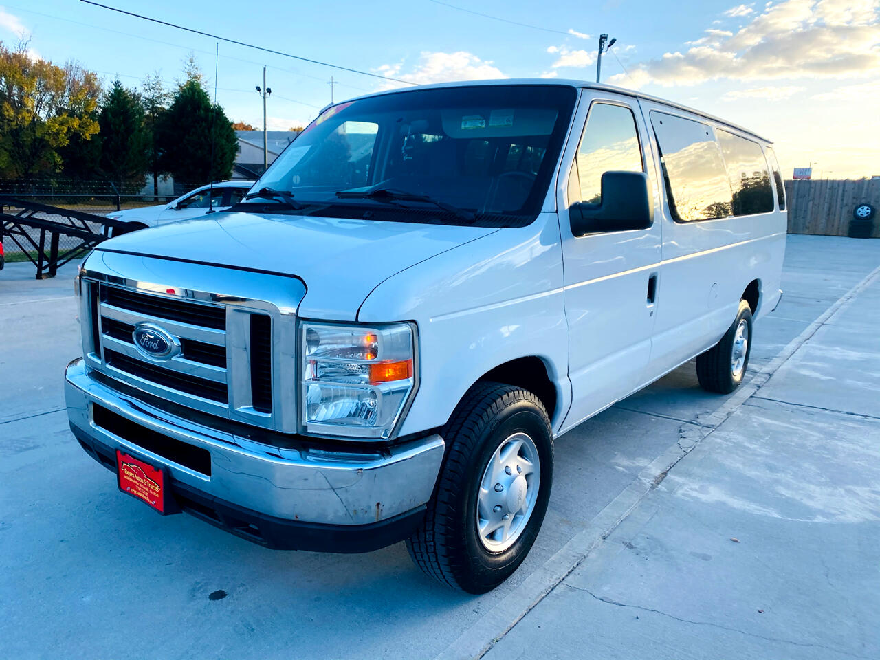 Ford Econoline Wagon E-150 XL 2012