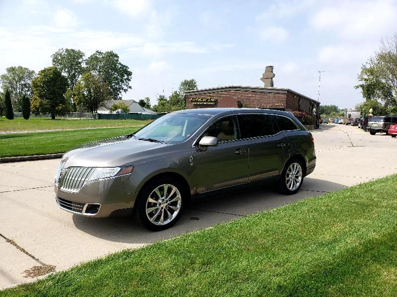 Lincoln MKT 3.5L with EcoBoost AWD 2012