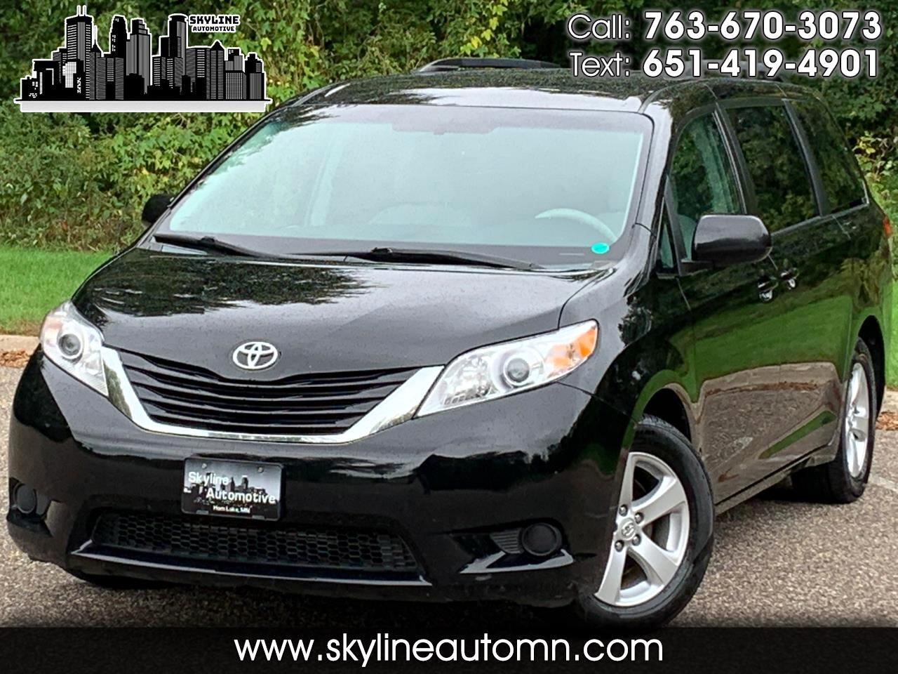 2012 Toyota Sienna 5dr 7-Pass Van V6 LE FWD (Natl)