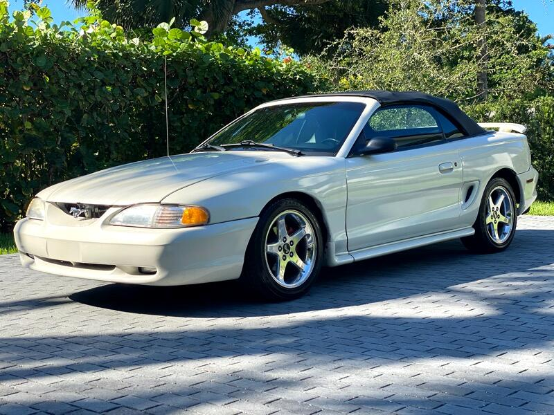 Ford Mustang GT convertible 1996