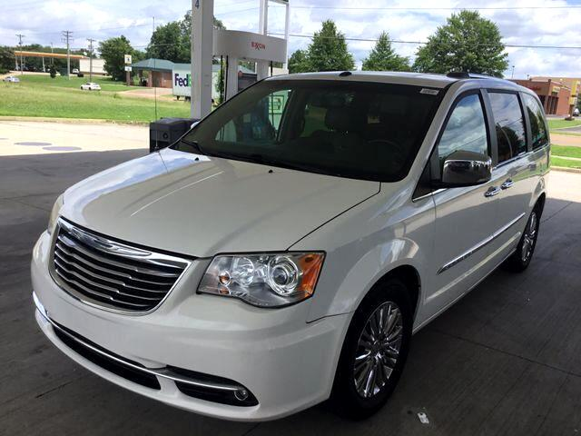 2011 Chrysler Town & Country Limited Minivan 4D