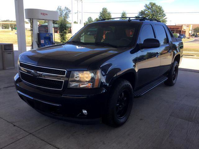 2007 Chevrolet Avalanche LS Sport Utility Pickup 4D 5 1/4 ft