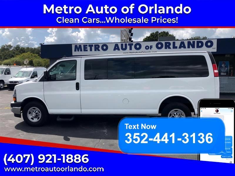 "Chevrolet Express Passenger RWD 3500 155"" LT 2017"