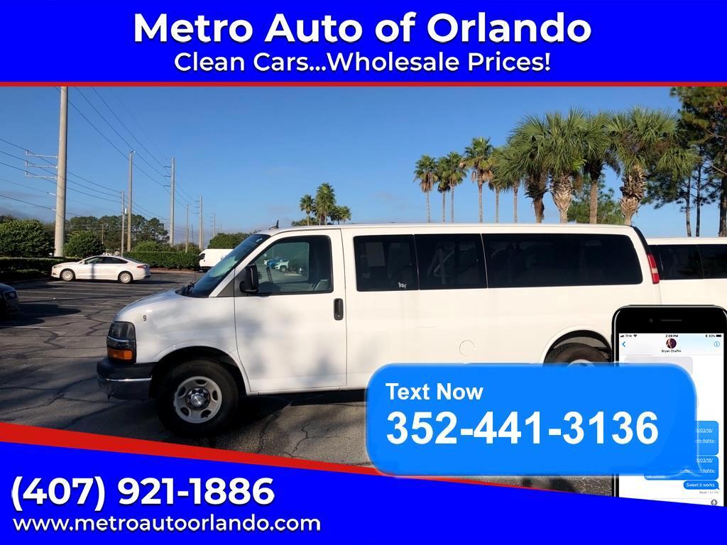 "Chevrolet Express Passenger RWD 3500 155"" LT 2014"