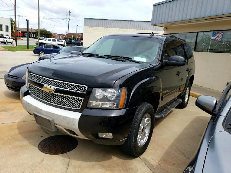 Chevrolet Tahoe 1500 4dr 4WD 2011