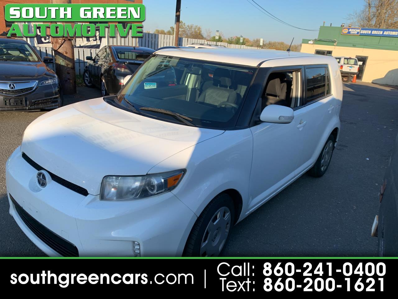Scion xB 5-Door Wagon 5-Spd MT 2013