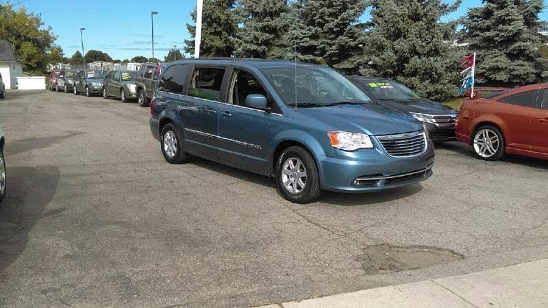 2012 Chrysler Town & Country 4dr Touring FWD
