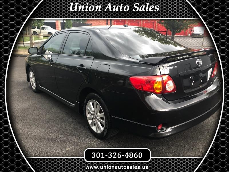 Toyota Corolla Base 5-Speed MT 2010