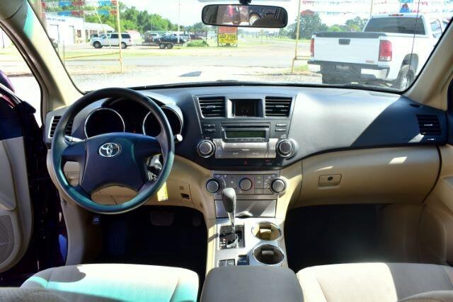 2011 Toyota Highlander Base 2WD V6