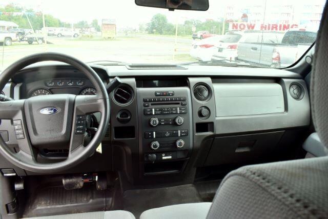 """Ford F-150 2WD SuperCab 145"""" XL 2013"""