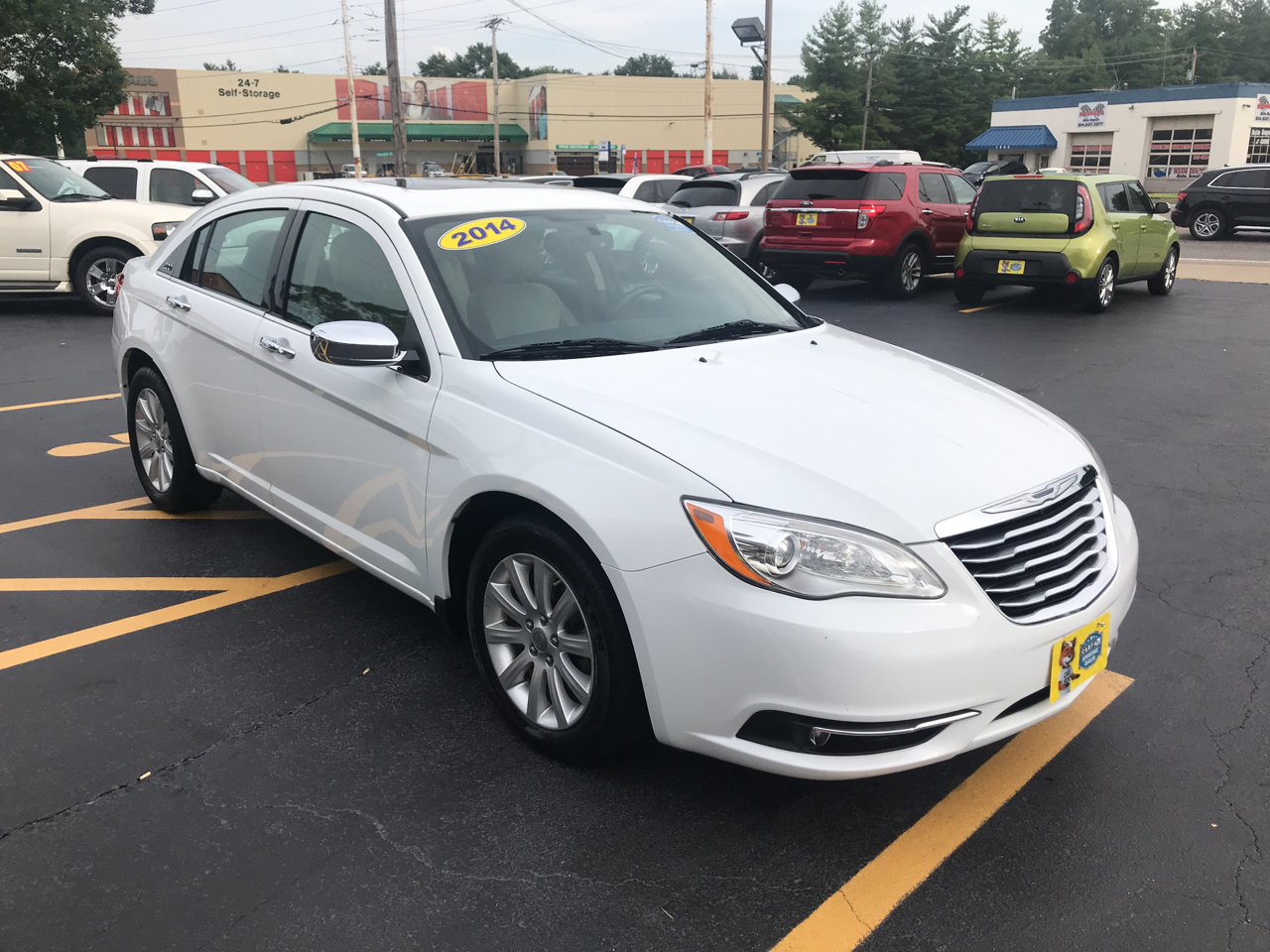 2014 Chrysler 200 LIMITED MOONROOF LEATHER V6 NICE CAR MUST SEE!!!