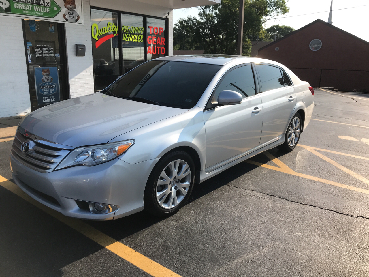 2011 Toyota Avalon LEATHER MOONROOF ALLOYS 74K MILES! A TRUE MUST SEE
