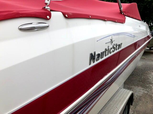 2009 Nautic Star 200SC Deck Boat
