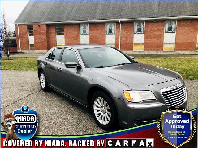 Chrysler 300 4dr Sdn RWD *Ltd Avail* 2011