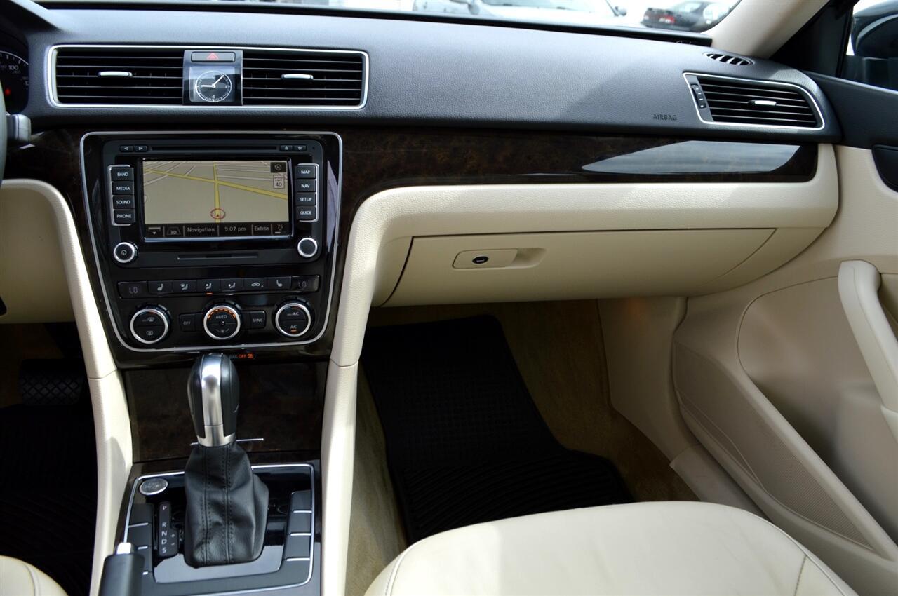 Volkswagen Passat 1.8T SEL Premium AT PZEV 2014