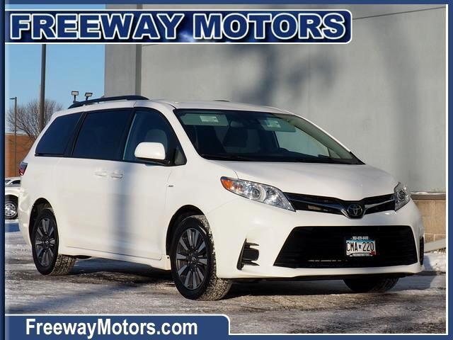 Toyota Sienna LE 7-Passenger AWD 2019