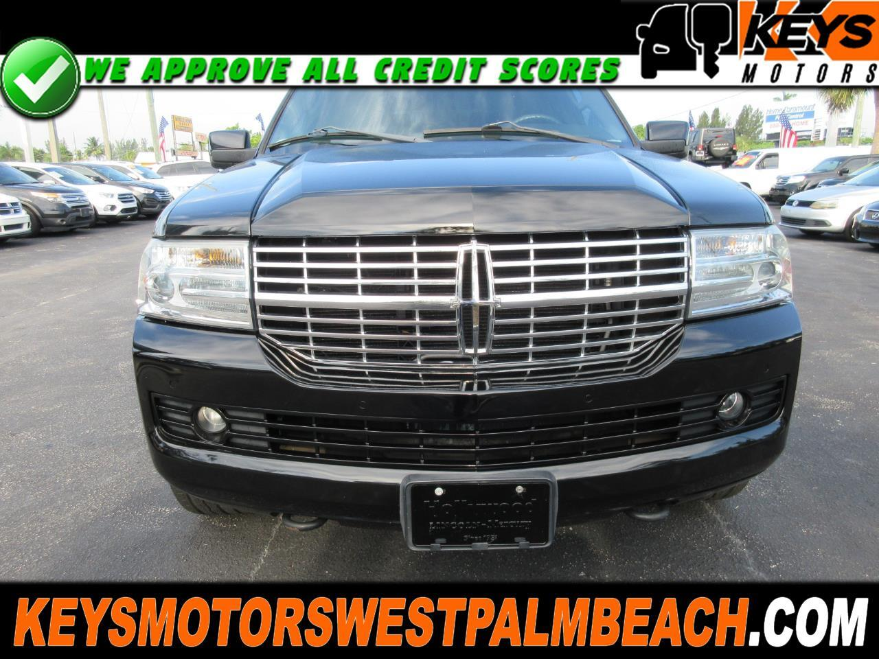 Lincoln Navigator 4dr 4WD Luxury 2011