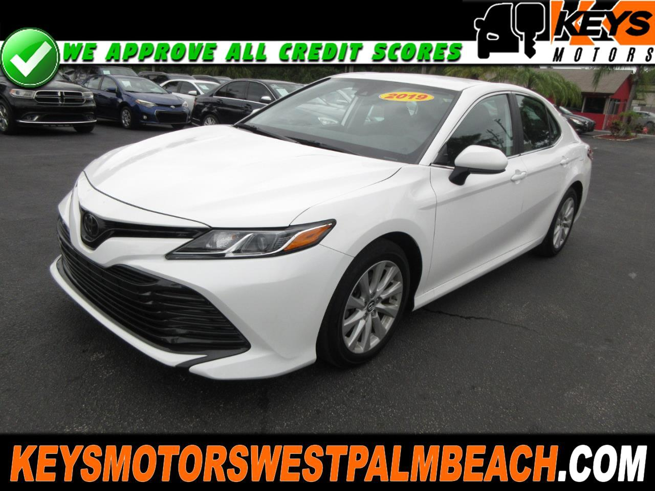Toyota Camry 4dr Sdn I4 Auto LE (Natl) 2019