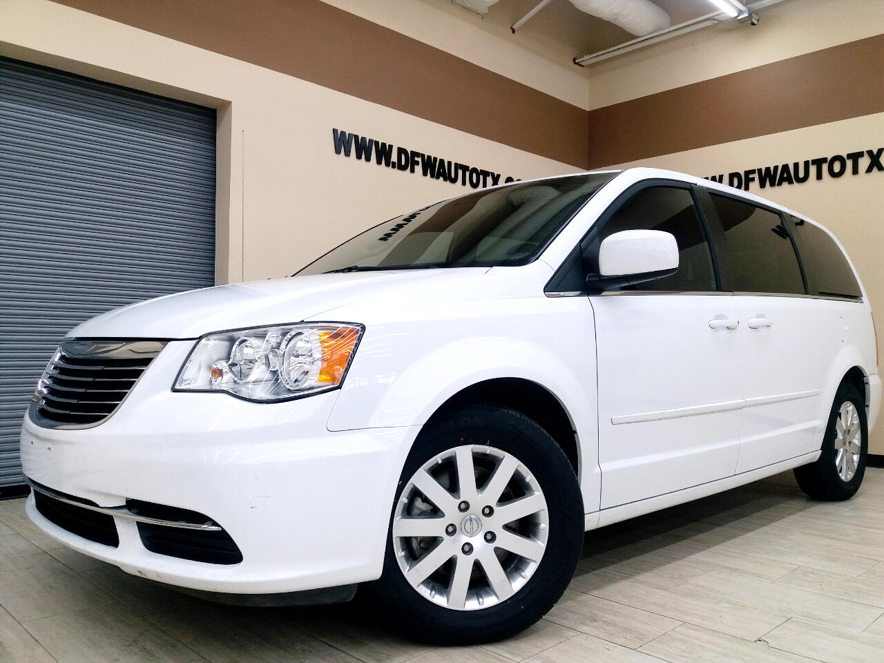Chrysler Town & Country LX 2016