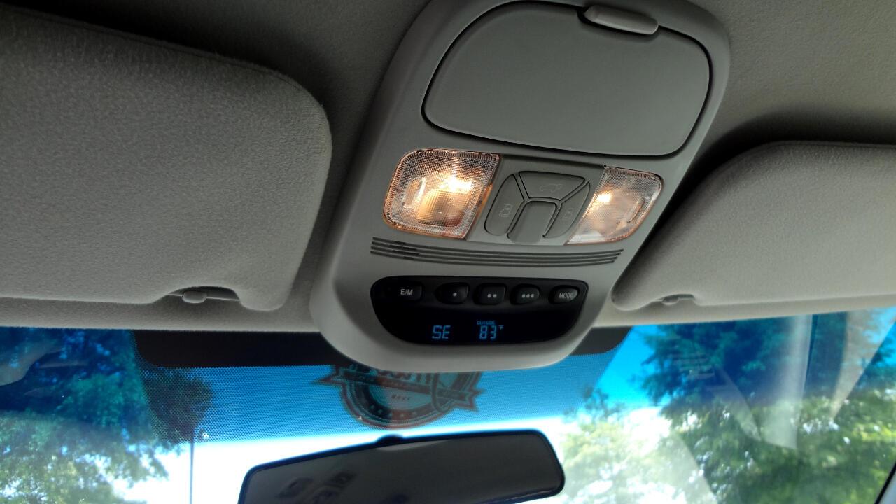 Toyota Sienna XLE FWD 2010