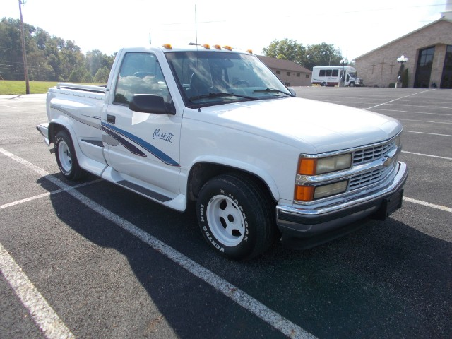 1996 Chevrolet C/K 1500 Reg. Cab W/T 6.5-ft. bed 2WD