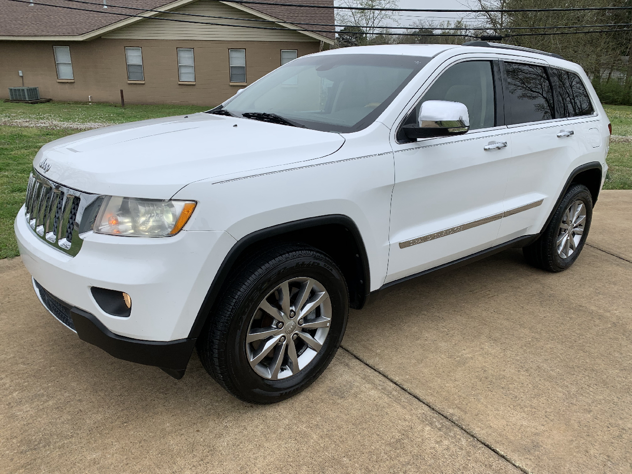 Jeep Grand Cherokee 4dr Overland 4WD 2013