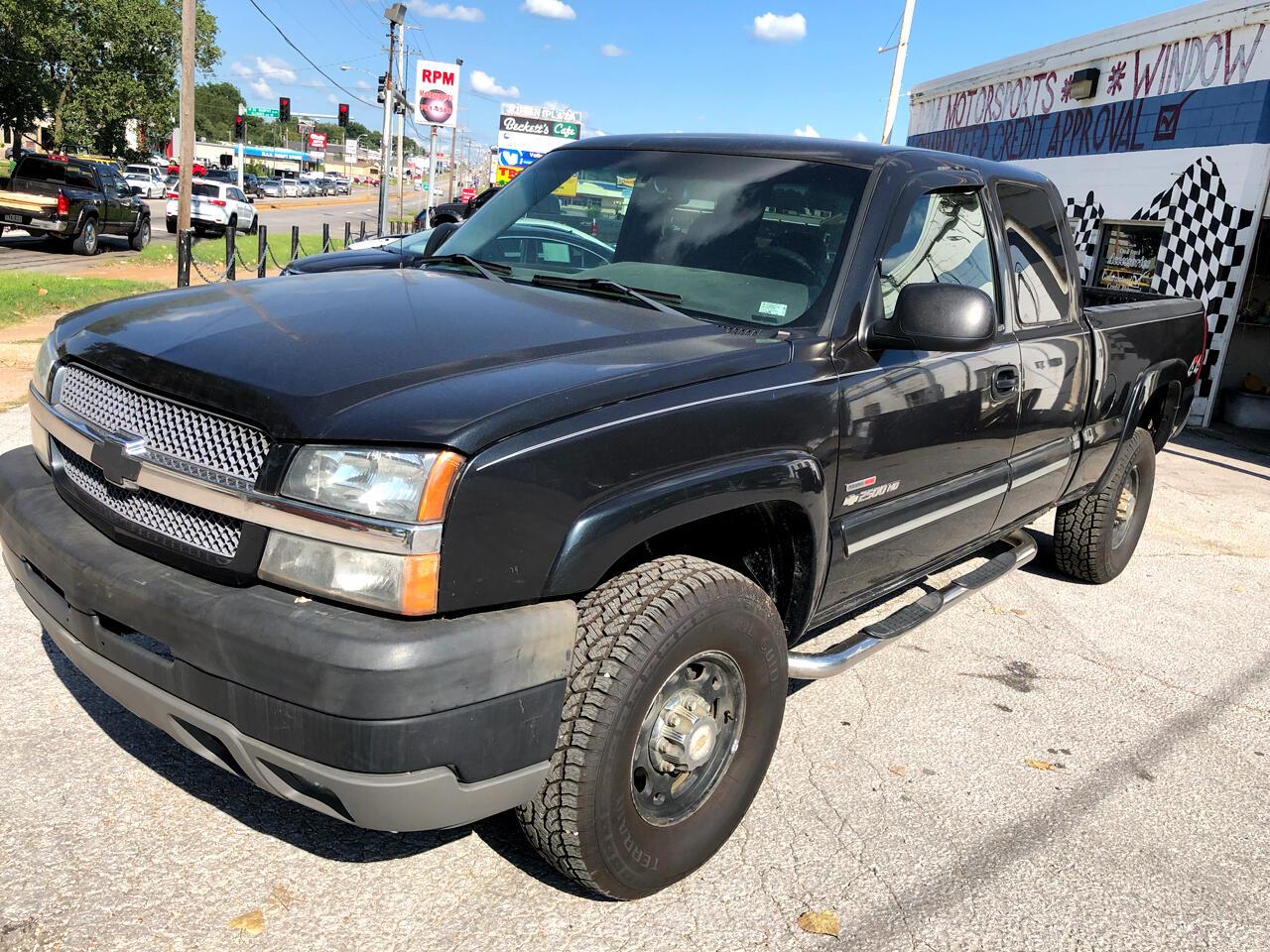 """Chevrolet Silverado 2500 Crew Cab Crew Cab 153.0"""" WB 4WD LS 2003"""