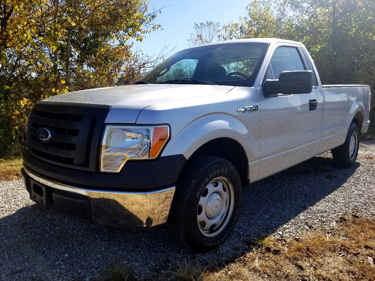 Ford F-150 WS Reg. Cab Long Bed 2WD 2010