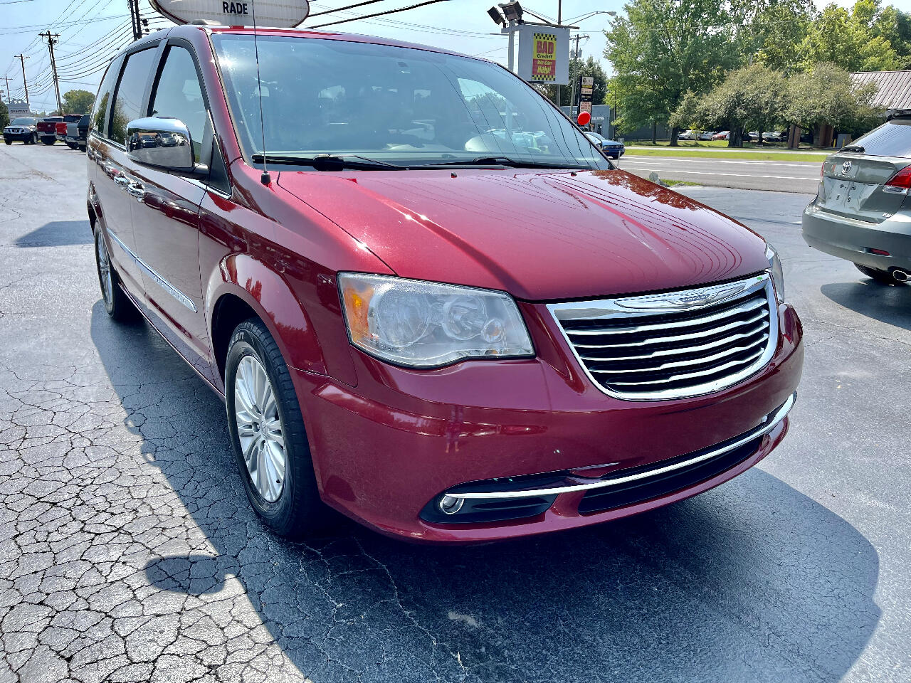 Chrysler Town & Country 4dr Wgn Touring-L Anniversary Edition 2016