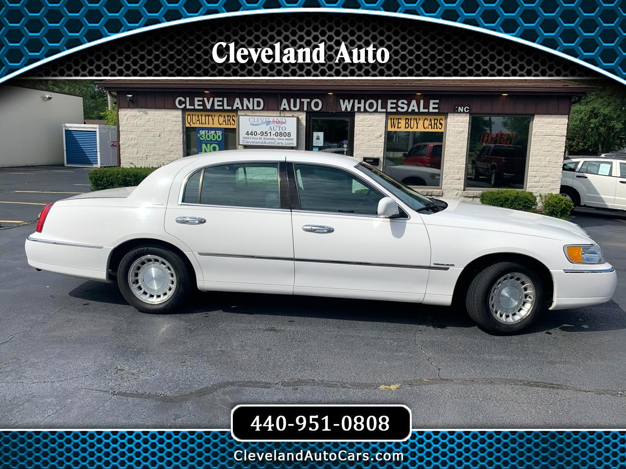 Lincoln Town Car 4dr Sdn Executive 2000