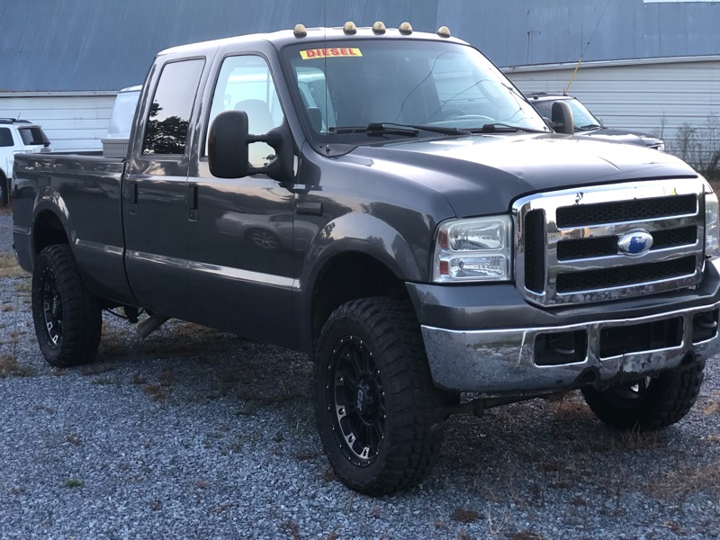Ford F-250 SD Lariat Crew Cab Long Bed 4WD 2005